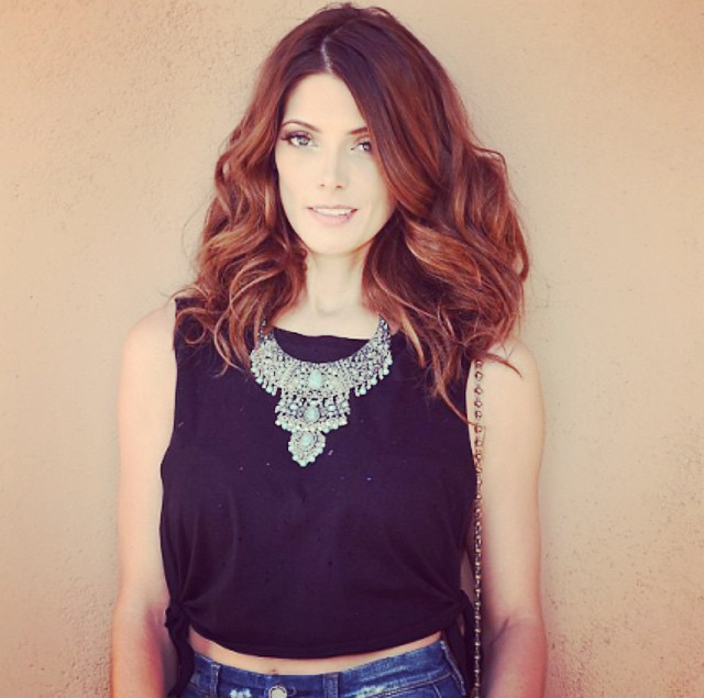 Ashley Greene lob