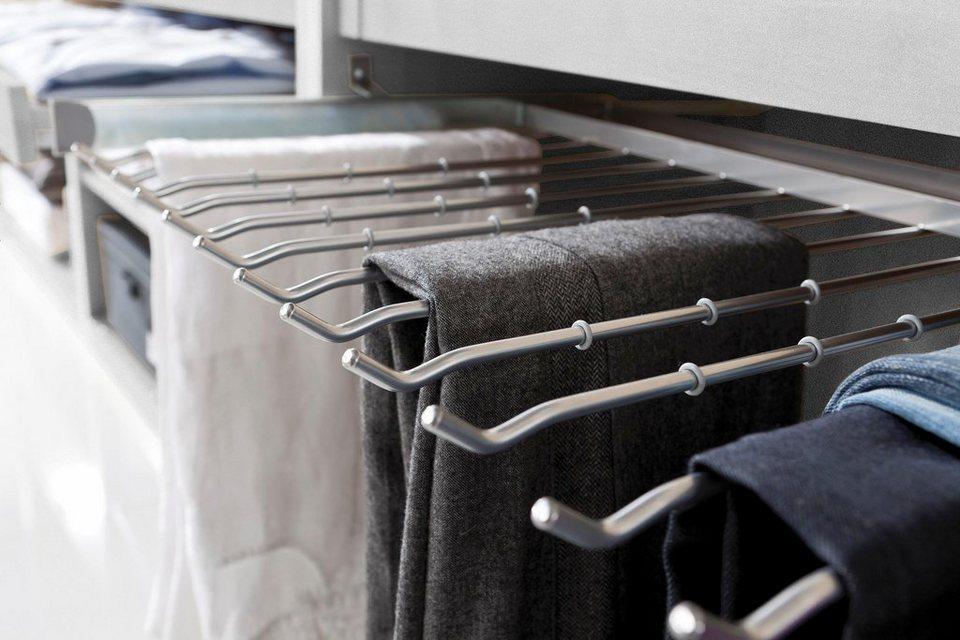 kleren opbergen hangers