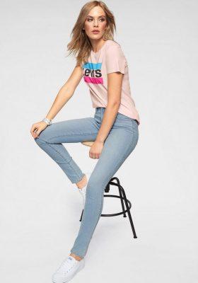 Roze Levi's shirt