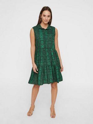 Kleuren voor een brunette: groen