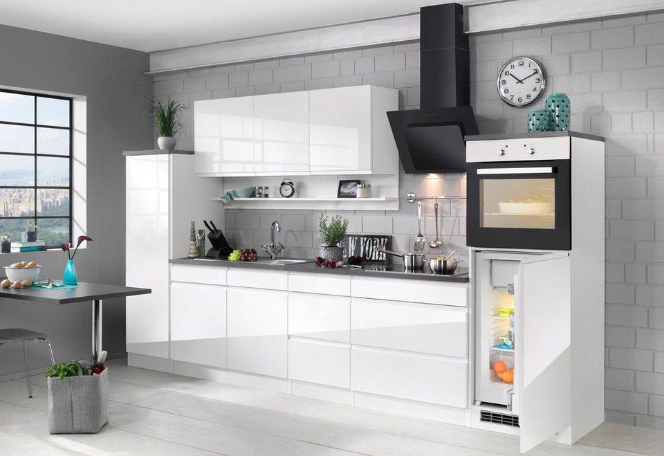 Keuken met koelkast