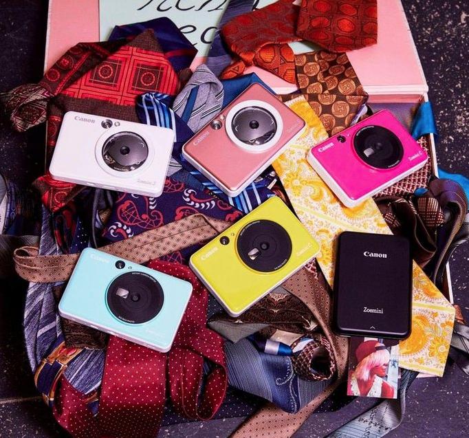 Gadget instant camera