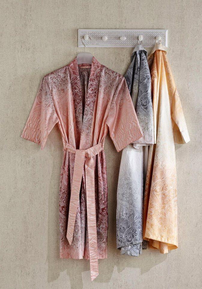 Badjas badkamer essentials