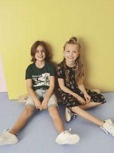 Lachende jongen en meisje