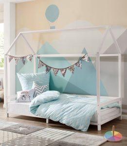 Bedhuisje met een opendakje voor kinder slaapkamer