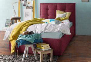 Slaapkamerstijl kleurrijk bed