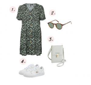 Witte sneakers met zomerse jurk
