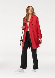 Modetrends: Rode trenchcoat
