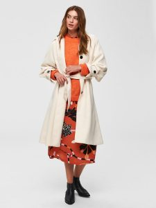Modetrends: Beige trenchcoat