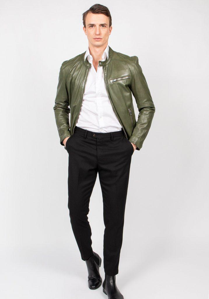 Leren jas groen met witte blouse