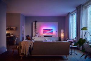 Woonkamer met een tv
