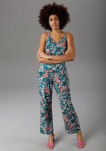 Babyshower outfit: gebloemde jumpsuit
