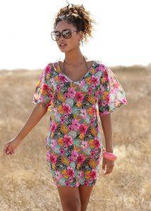 Strand outfits: gebloemde tuniek